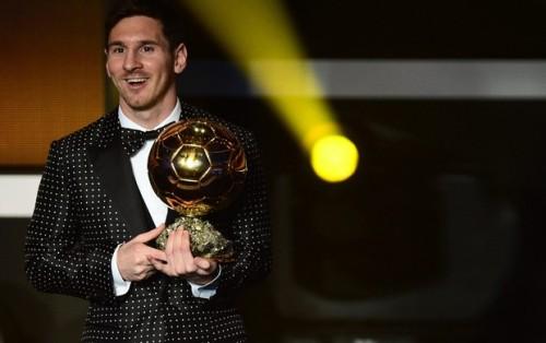 Messi e o já lendário terno de bolinhas