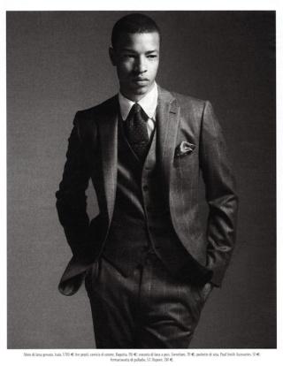 O colete não é mais um item obrigatório do conjunto do terno, mas pode dar um toque especial ao look