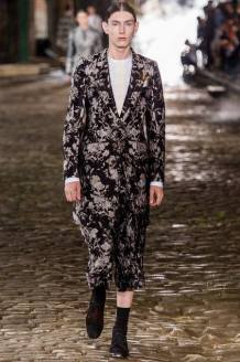 22 _ Alexander McQueen _ Men Summer 2014