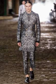 23 _ Alexander McQueen _ Men Summer 2014
