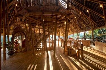 Casa sustentável Bambu Elora Hardy 06