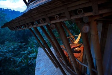 Casa sustentável Bambu Elora Hardy 10