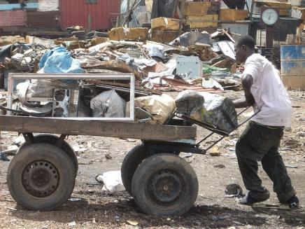 A história que explica como Gana foi transformada na maior lixeira de produtos eletrônicos domundo