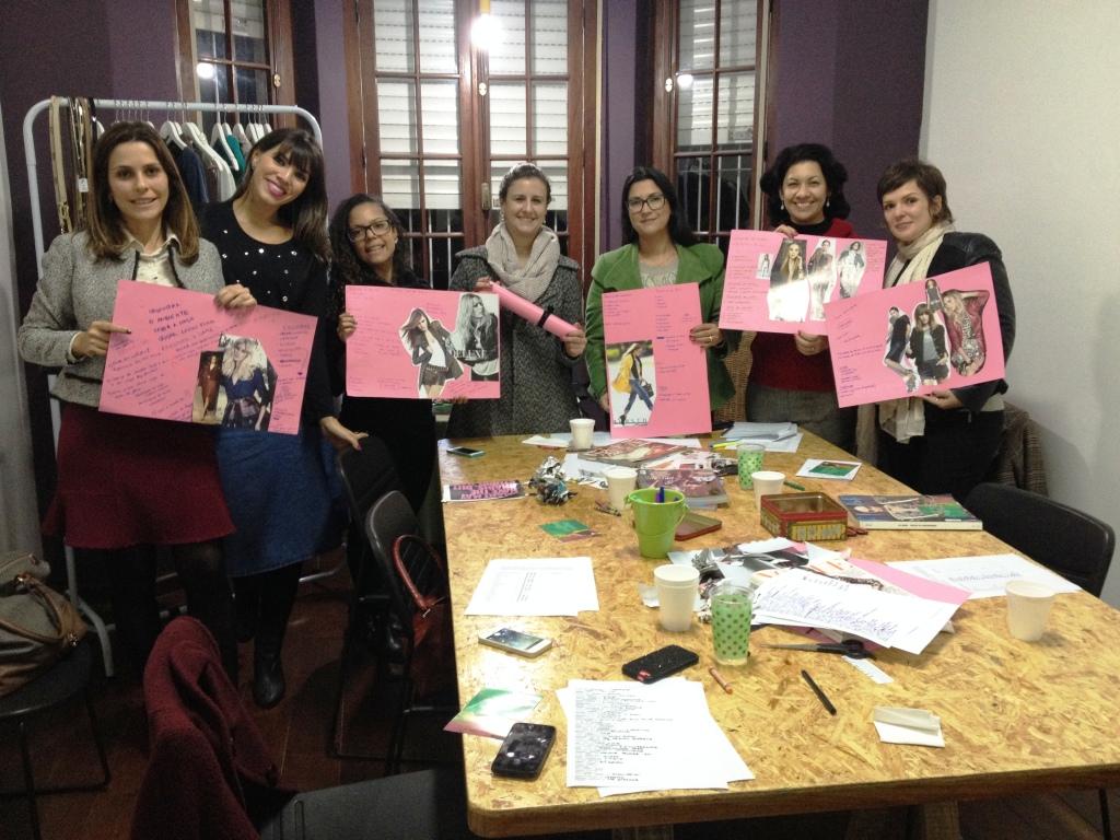 Déborah com suas alunas no workshop Estilo com Autoestima